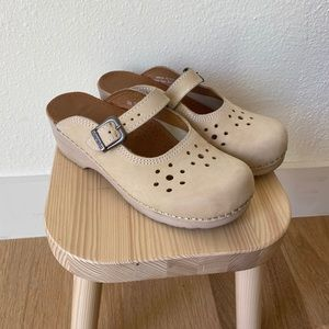 Dansko | Merrie Hole Punch Clogs Mules Mary Janes